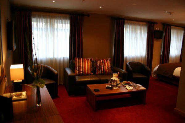 Premier Deluxe Suite Lounge, Beamish Park Hotel
