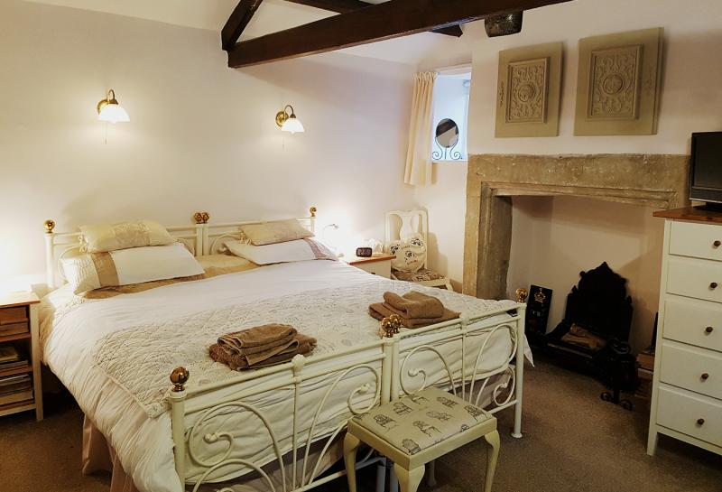 Yew Tree Cottage master bedroom